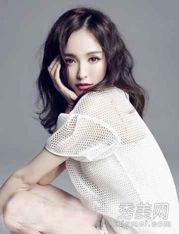 唐嫣最新发型曝光 中长发蛋卷头甜美养眼