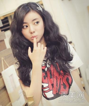 女生留什么发型好看 韩式卷发最具女人味图片