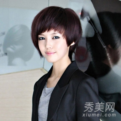 清爽的短发是杏仁脸女生的最佳选择,简单干练,绝对是ol们的首选发型哦图片