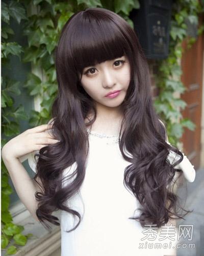 齐刘海长卷发发型