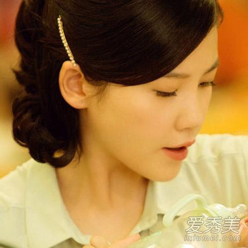 重返20岁杨子珊变老奶奶 复古短发迷倒鹿晗图片