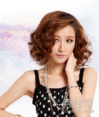可以为烫发                    感活力,选择一款俏丽的女生烫发,短发图片