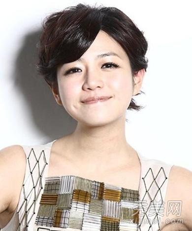 宅男女神陈妍希示范 圆脸女生适合的短发图片