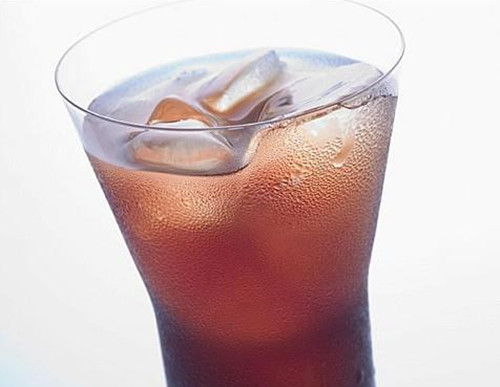 夏季常喝碳酸饮料的害处图片
