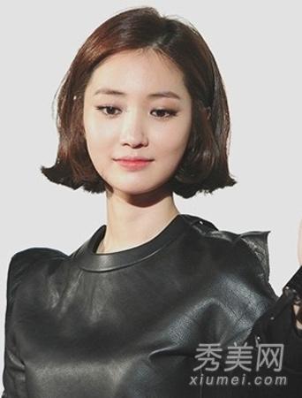 大脸女生适合的发型 瘦脸发型巧修颜图片