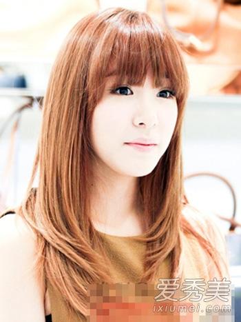 直发梨花头也是一款很流行的韩式女生烫发图片