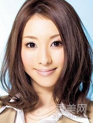 6款齐肩发型 梨花头齐刘海甜美过冬季图片
