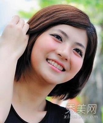 圆形脸性与短直发发型图片