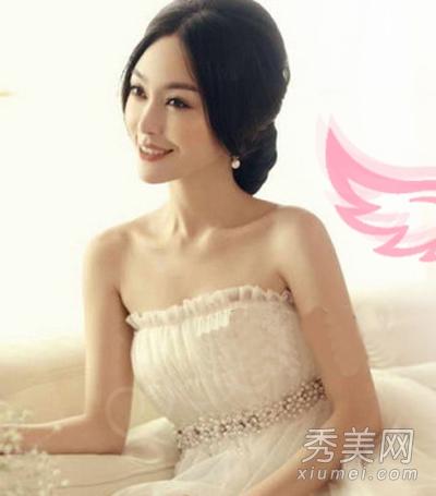 中分刘海+韩式气质低盘发图片