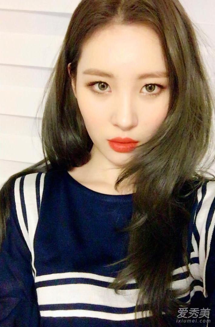 不管是长发还是短发 韩国明星都在剪层次发型图片