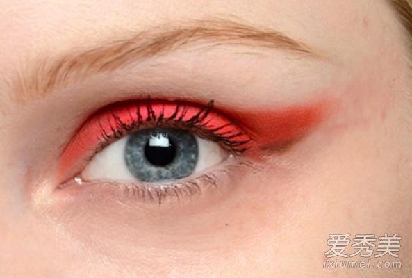 最潮眼线画法 5种眼线让你惊艳全场图片