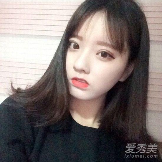 空气八字刘海开始流行 搭长发短发都很美