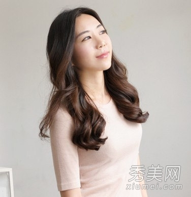冬季卷发烫发发型 尽显熟女范_美容护肤知识大全_百度图片