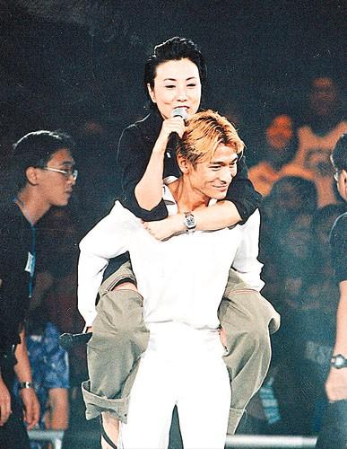 【爱华】经典回味----刘德华99红馆演唱会图片