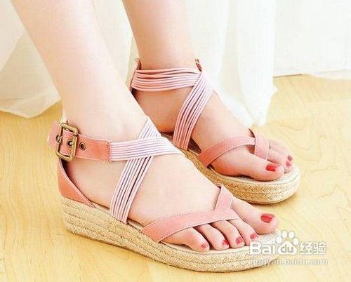 据说日本女生是全世界最爱穿松糕鞋