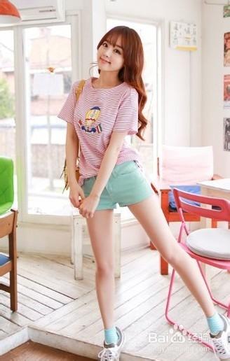 跟韩国女生学穿衣 看看夏季穿衣怎样搭配