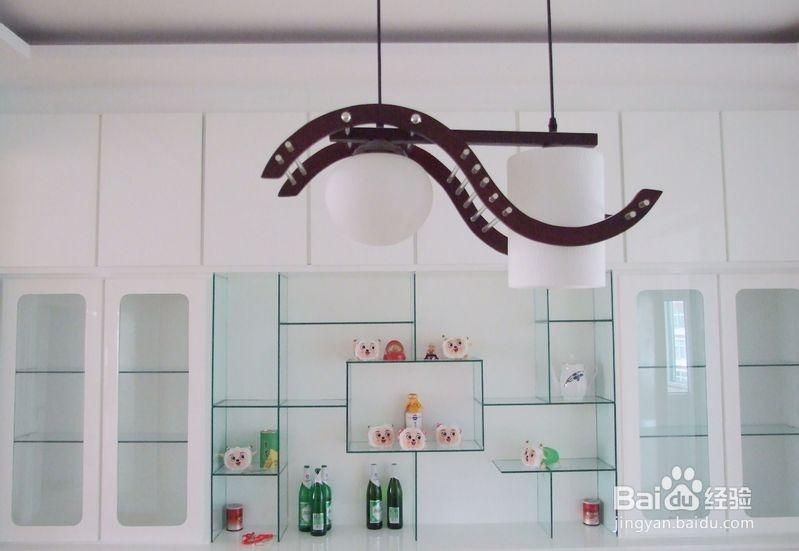 法式或中式的装修,酒柜的风格必 现代简约或北欧简约风格,酒柜也
