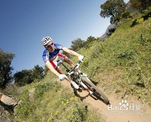骑山地自行车的技巧与注意事项图片