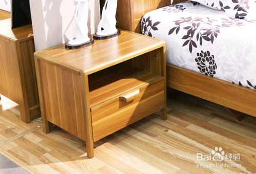 如今,随着床的变化和个性化款式的设计,使床头柜的壁灯也随之丰富多晶硅电池板图片