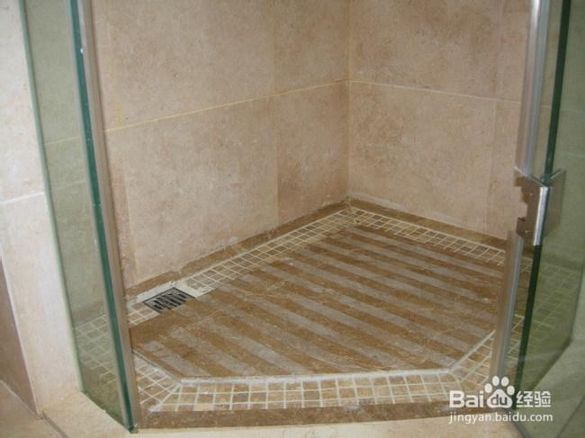三、对于淋浴房积水问题就有这么一个建议:对淋浴房地面进
