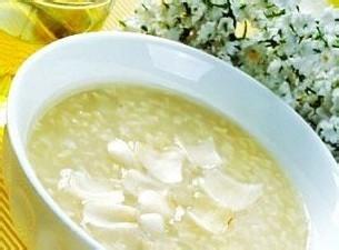 喝粥暖胃是众所周知的,但作用秋季养胃适宜喝粥呢?山碴和红糖熬起啥是在图片
