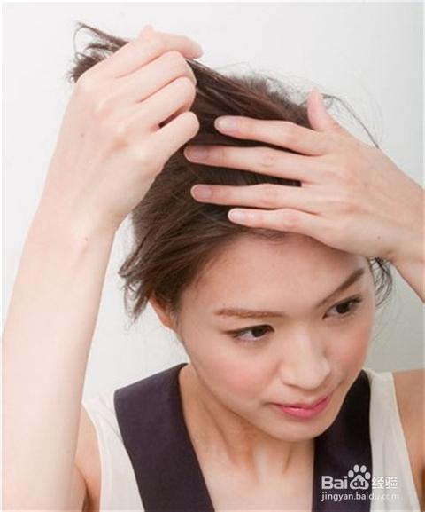 女生露额头发型扎法图片