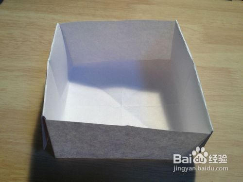 样用废旧纸张叠纸盒