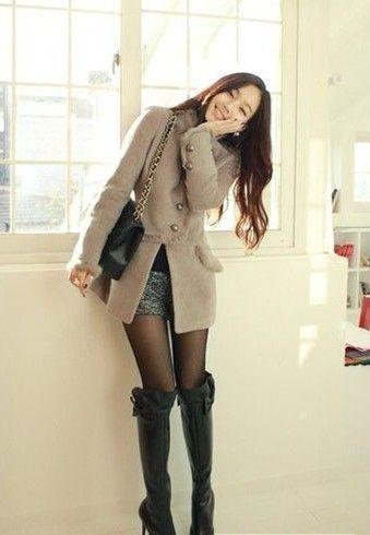 日本穿靴子的美女;