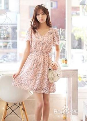 微胖女生夏季连衣裙穿衣搭配