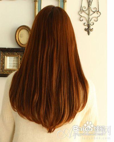 长发的女生总是在不经意间给人带来温柔贤淑的感觉,在后面看来,气度图片