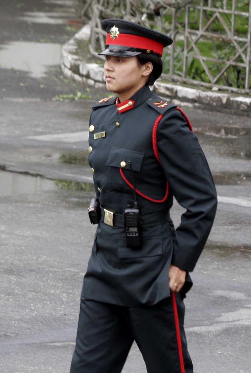 尼泊尔军第一美女图
