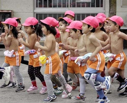 日本裸奔和中国裸奔 - 老婆骑马我赶驴 - 博宇宙经纬,易天地春秋