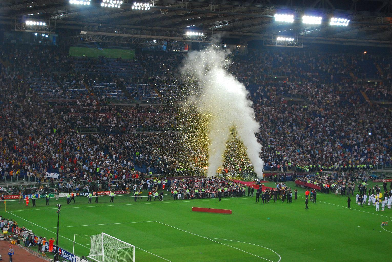 亚泰球在欧冠决赛赛场