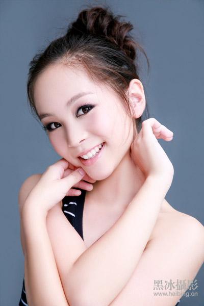 黑冰客片――华裔小美女