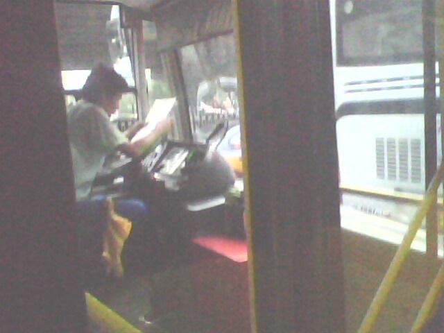 坐公交车蹭美女技巧图片