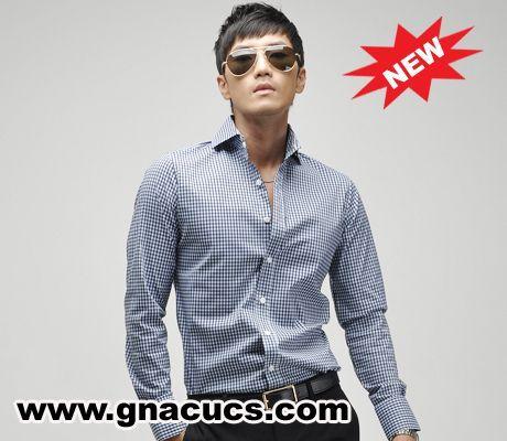 显品位的男士衬衫搭配:米色西装+蓝色衬衫+柔和米色或棕色格子图