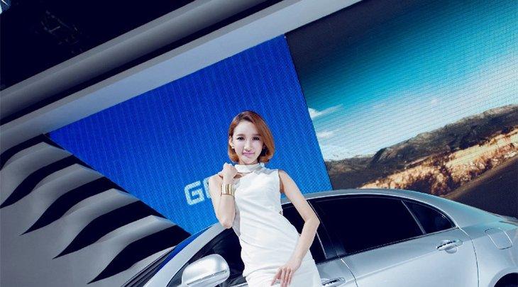 高冷美女长腿性感车模展台时尚写真-车模美女-优优美图