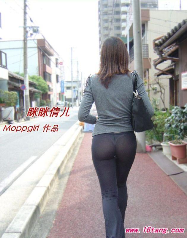 街拍黑色透明紧身裤图片