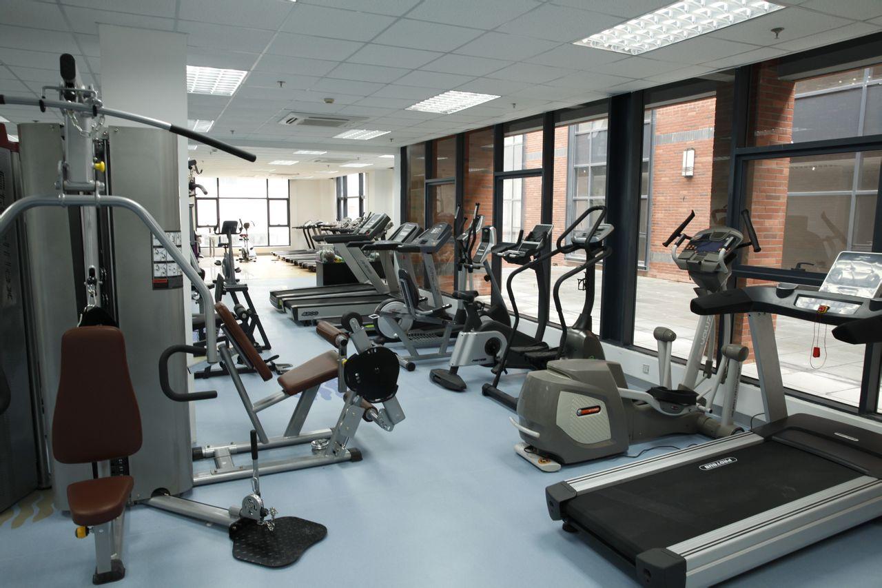 明安运动器材_杨浦区 >> 生活服务   标签: 健身房 运动健身  力健跑步机健身器材