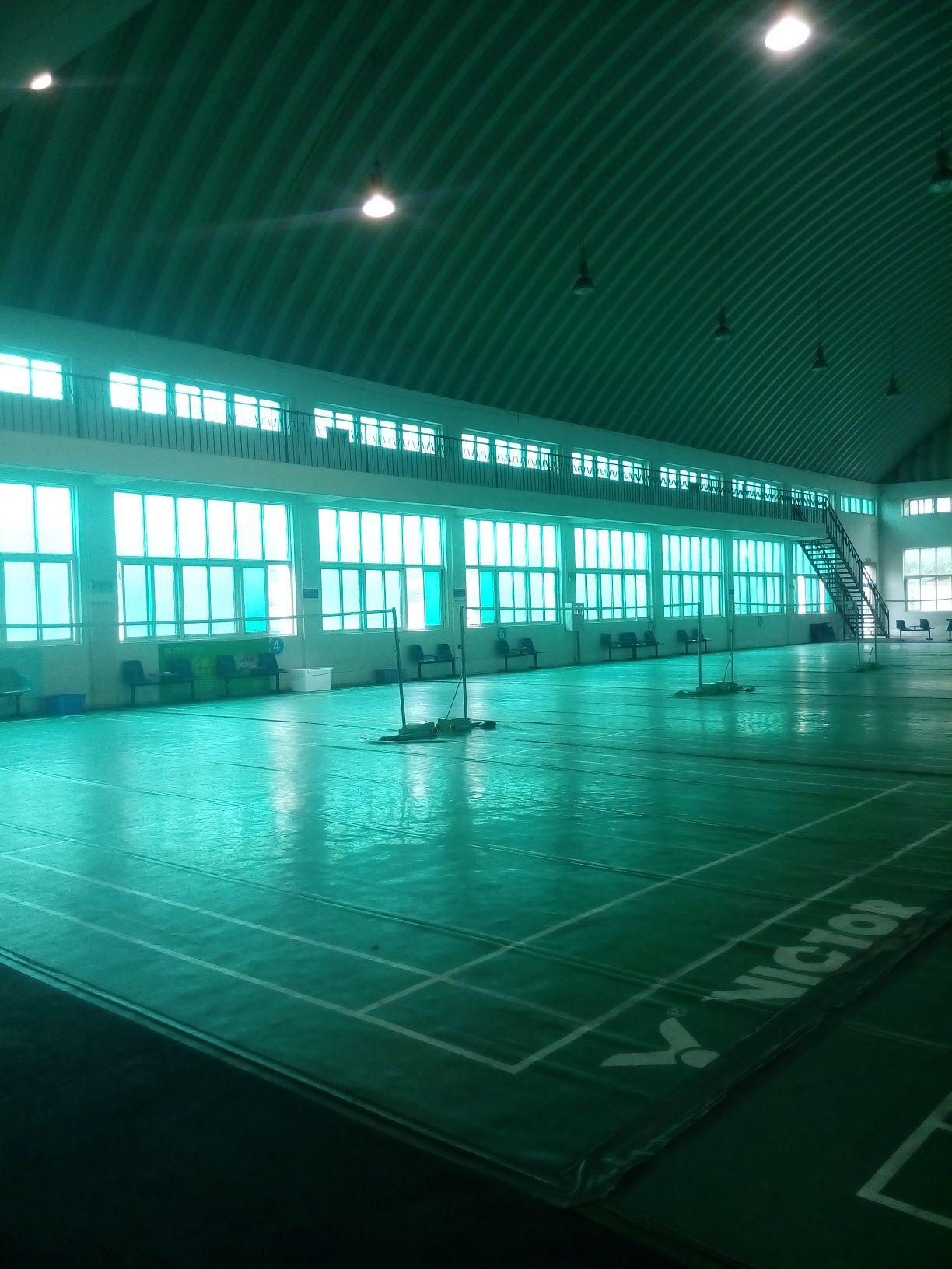 武汉东湖阳光会所-羽毛球场