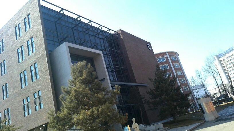 吉林动画学院-c教学楼图片