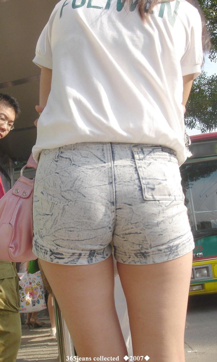 紧b小短裤街拍图片图片大全 拍 外贸磨破紧身低腰牛仔短裤图片