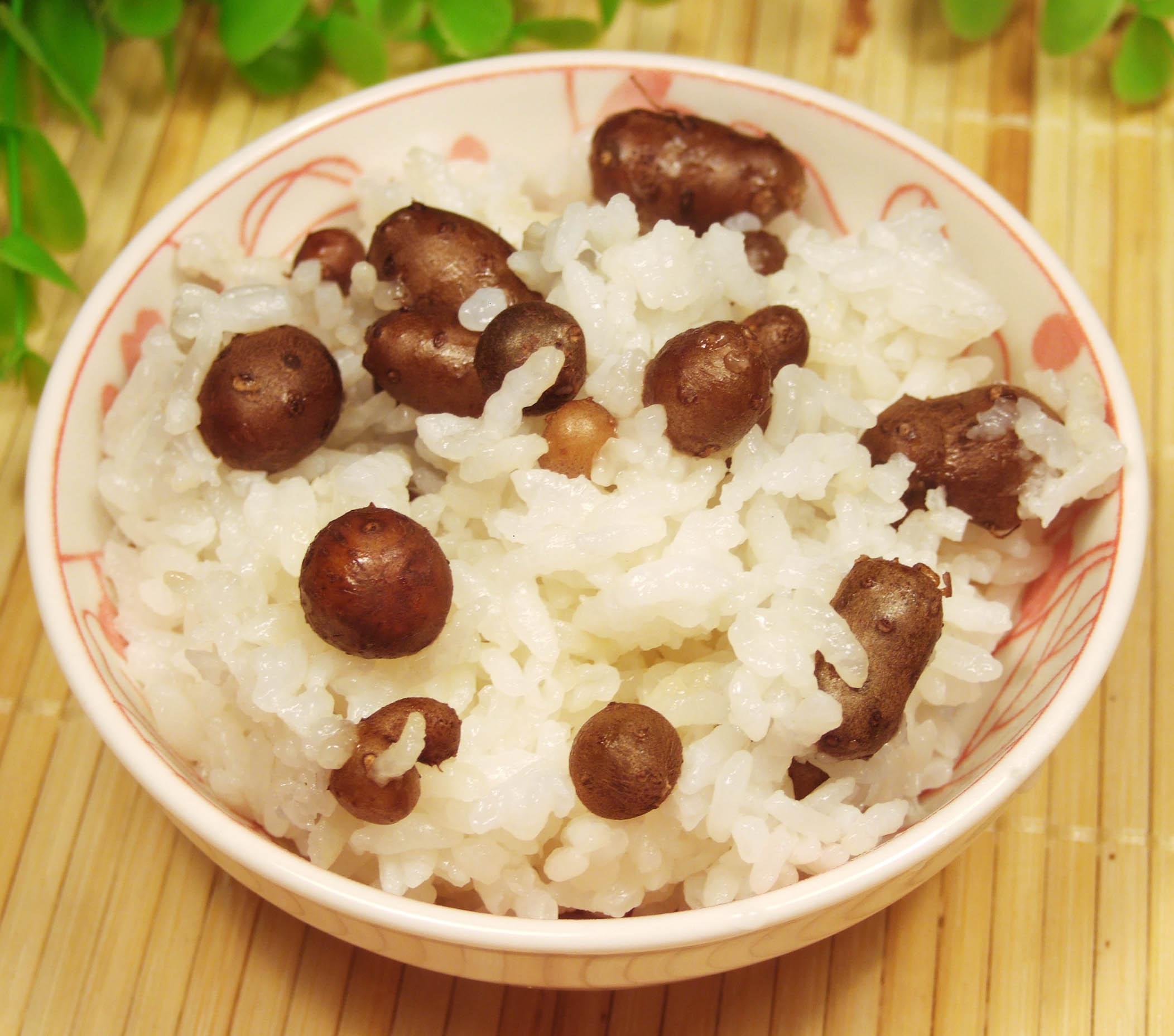 最基本就是煮,煮米饭啦,山药豆比较清口,有股子