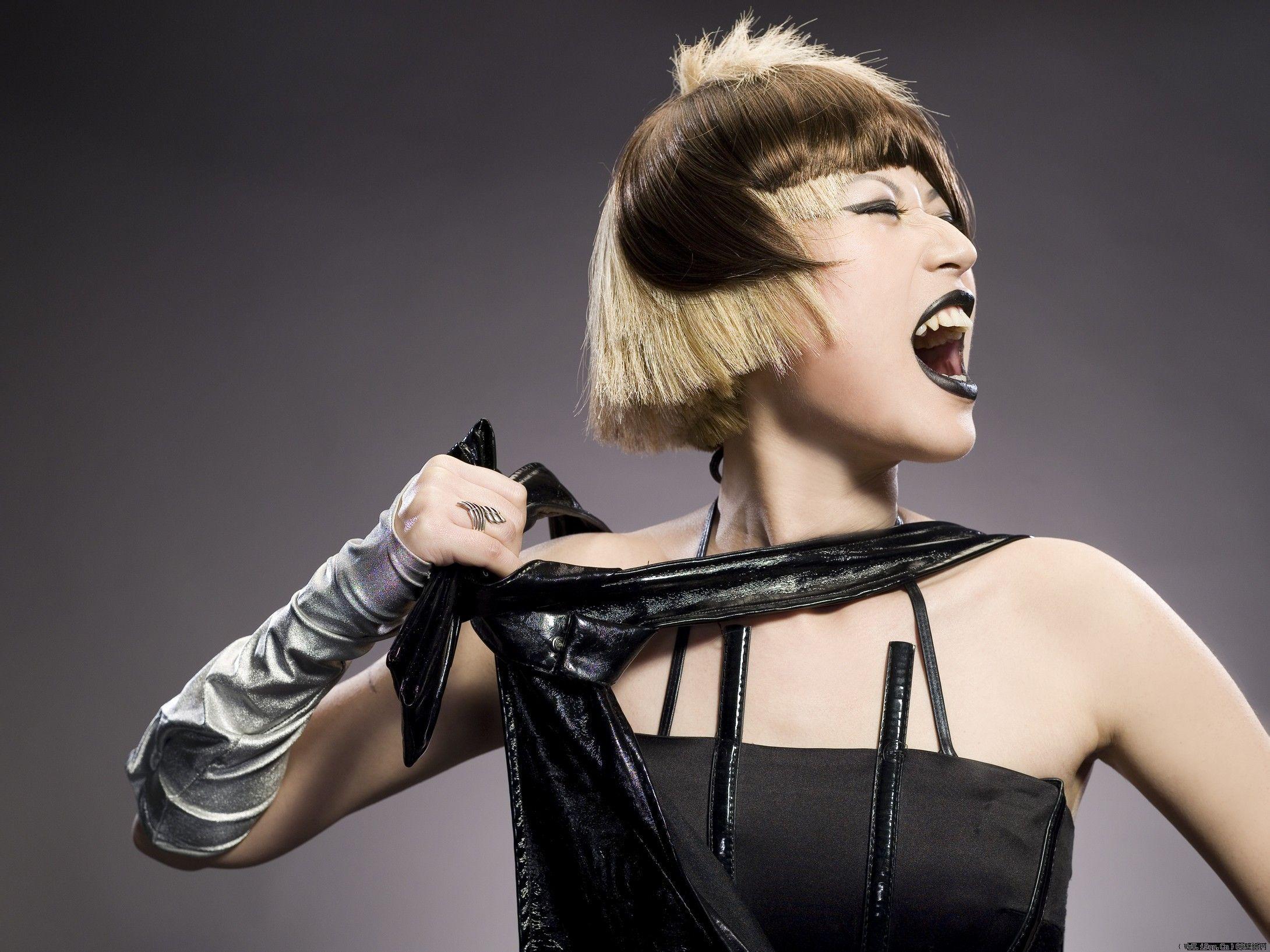 美女壁纸:超拽发型形象设计