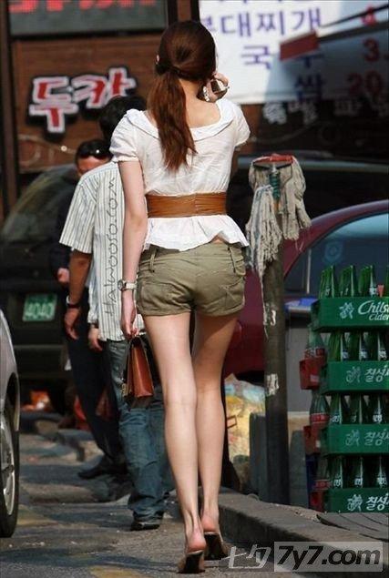 韩国首尔 街拍短搭美女超养眼