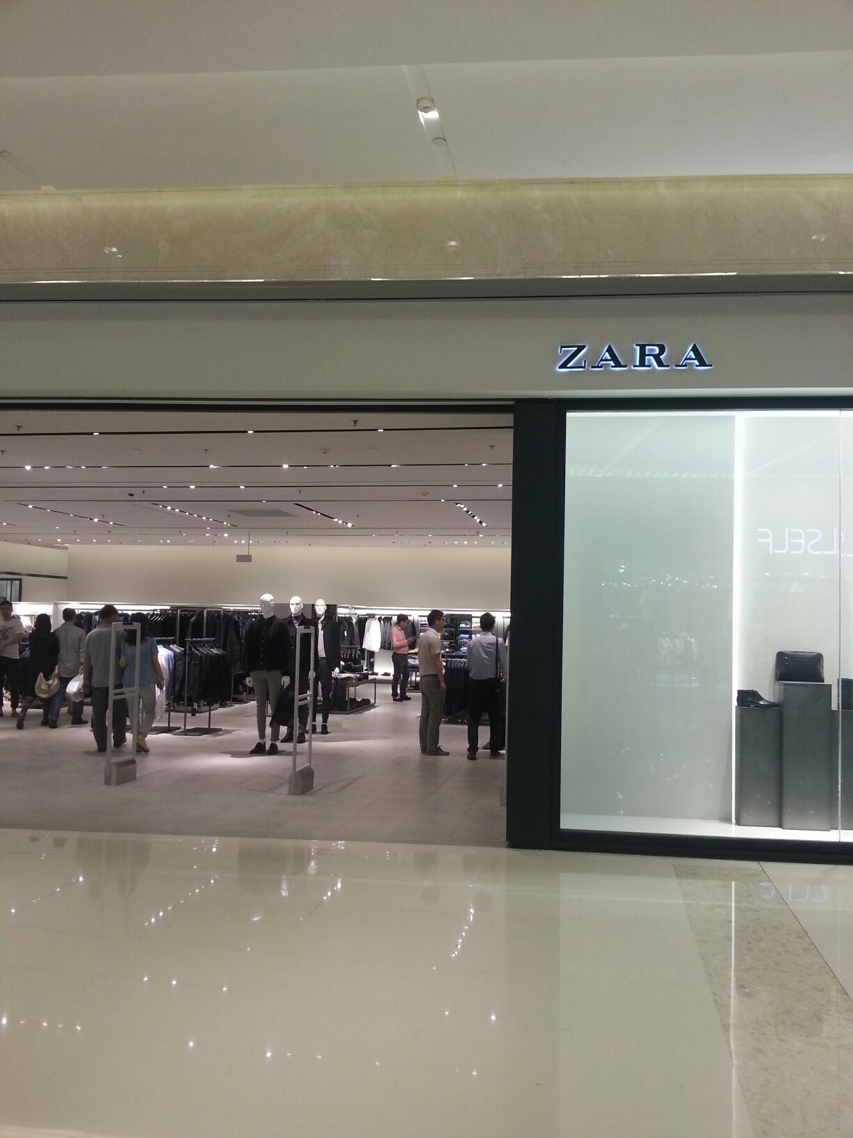 zara甶(�yk�9�dy�刋[�p_zara(万象城店)