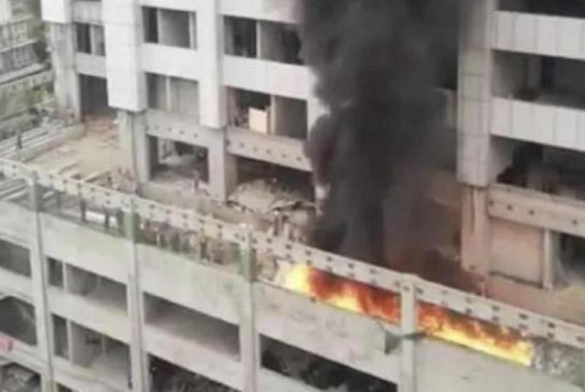 四川泸州西南医科大学附属中医院起火 火已被扑灭