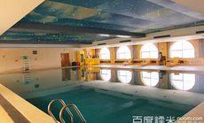 金泽国际酒店游泳