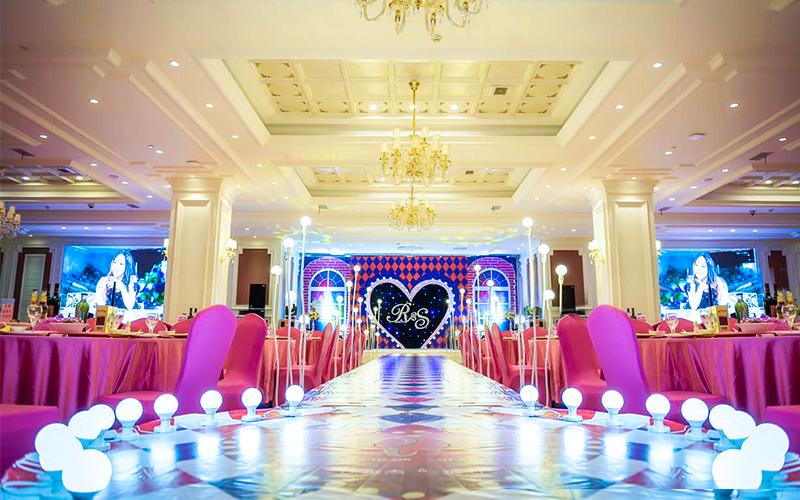 石浦大酒店(鄞州万达店)