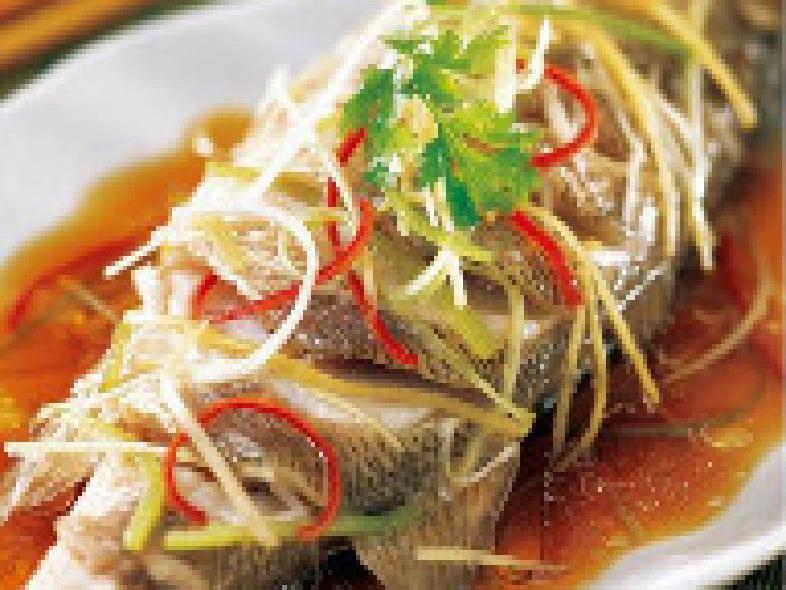 滇香肴云南蒸汽石锅鱼